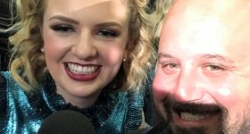 ABC Radio: ABC Radio's Jason Nathanson catches up with American Idol winner Maddie Poppe backstage. Photo credit: ABC News