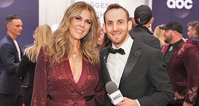 Townsquare Media: Actress/singer Rita Wilson chatted with ''Taste of Country Nights'' host Sam Alex on the CMA Awards Red Carpet in Nashville last Wednesday evening.